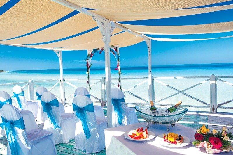 Ресторан напляже вотеле Memories Flamenco