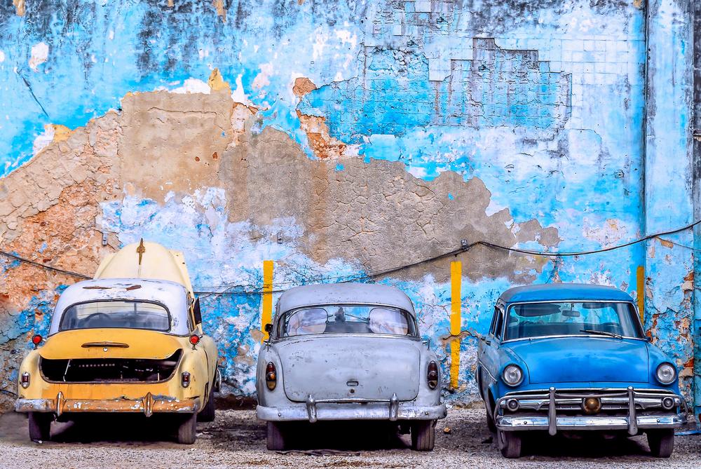 Классические американские авто в городе Сьего-де-Авила