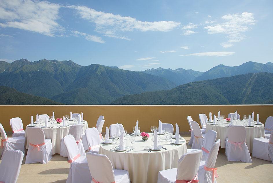 Ресторан в отеле Novotel Resort