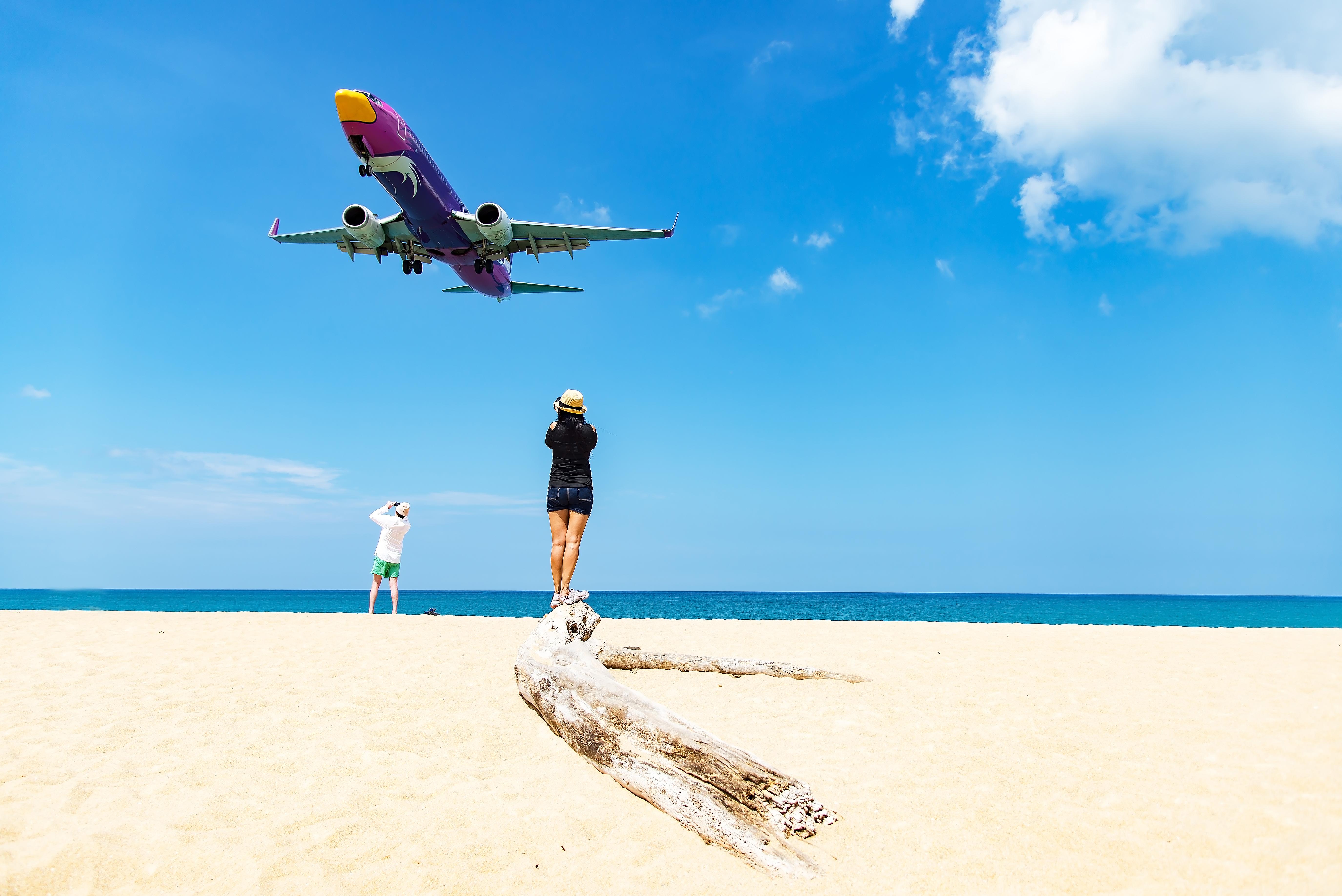 Пляж Най Янг возле аэропорта Пхукета
