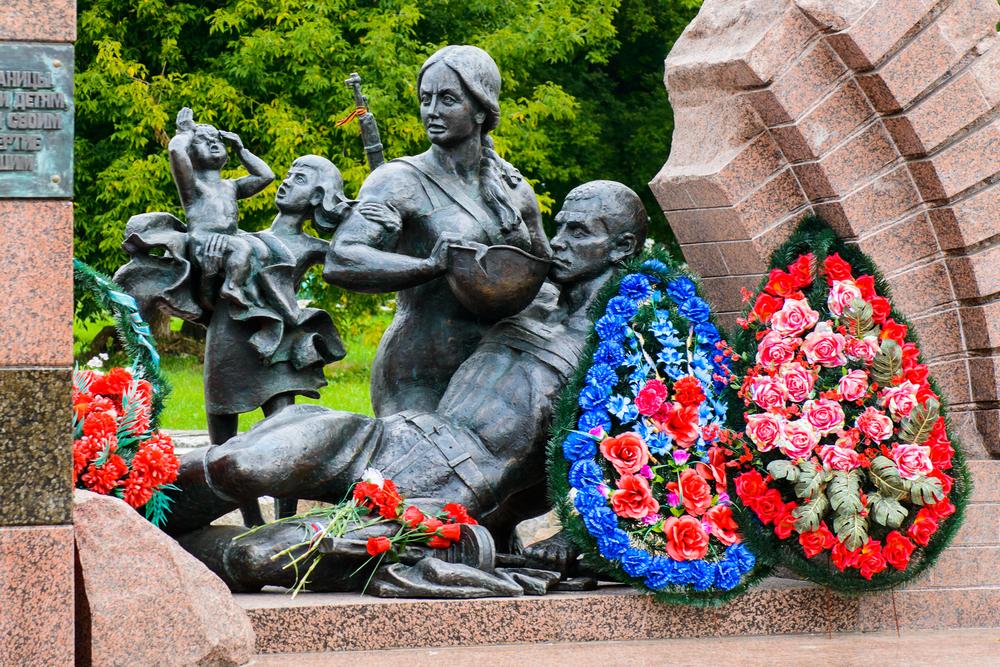 Памятник героям границы на территории Брестской крепости