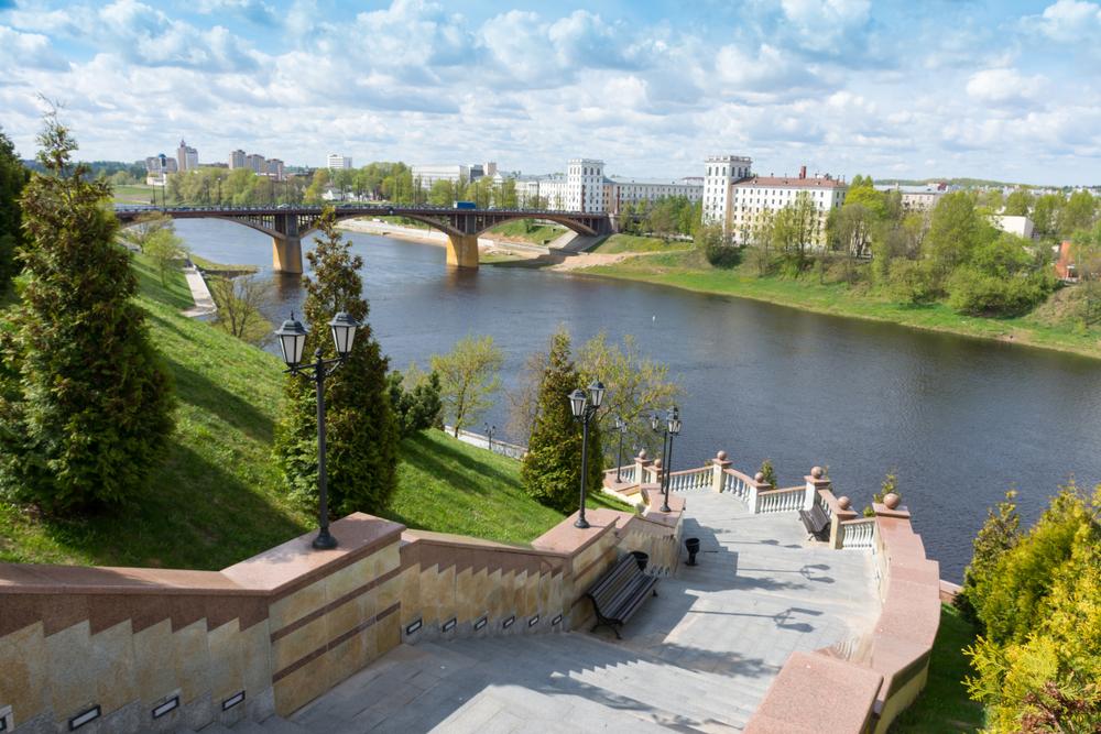 Вид на мост Кирова и Западную Двину