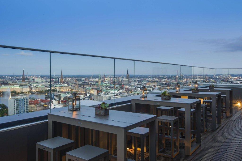 Вид изотеля Radisson Blu Hotel, Hamburg
