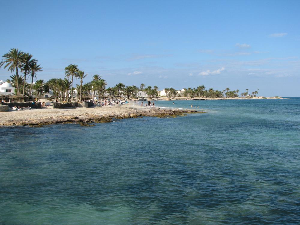 Пляж Сиди-Мехрез, Джерба, Тунис.
