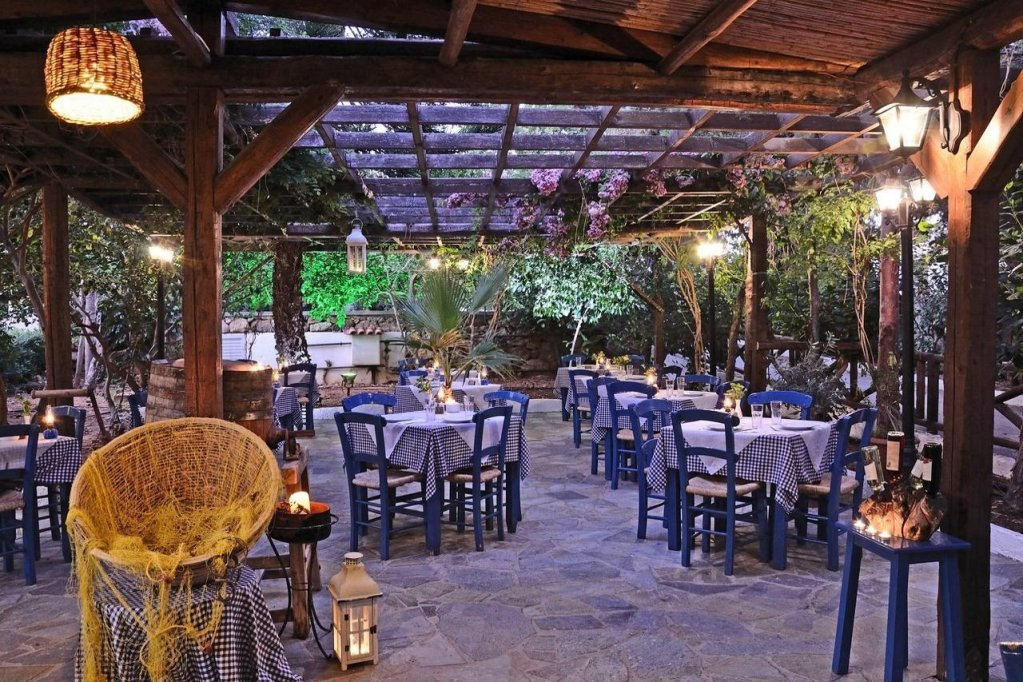 Ресторан в Малии