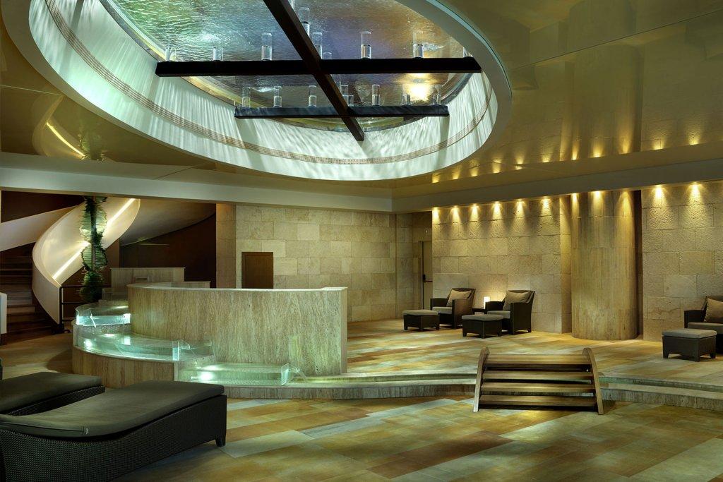 Холл в 5-звездочном отеле Porto Elounda Golf & Spa Resort