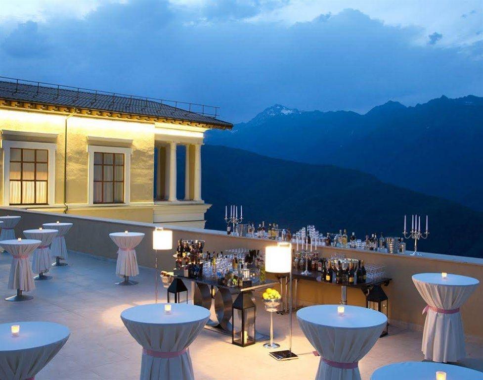 Ресторан вотеле Novotel Resort