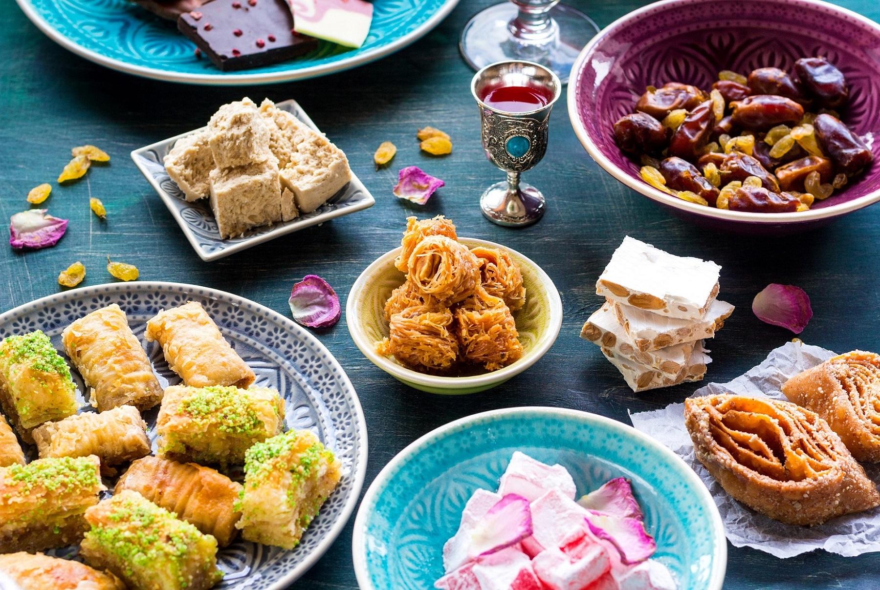 Турецкие сладости: пахлава, лукум, нуга, финики
