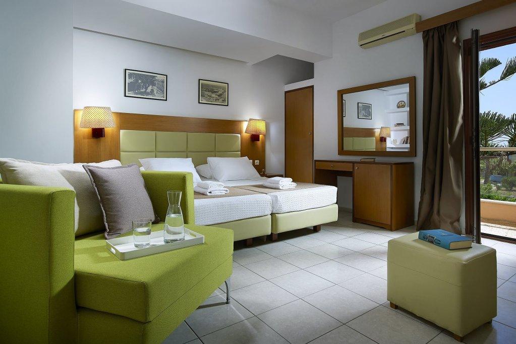 Номер в трехзвездочном отеле Georgia