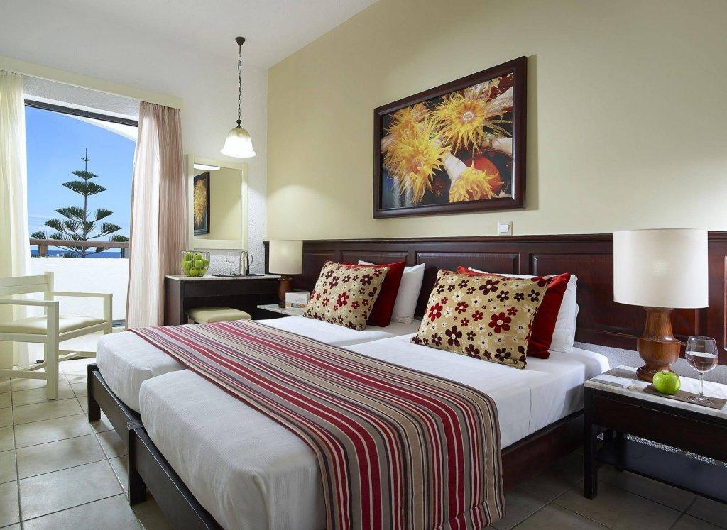 Номер в 5-звездочном отеле Albatros Spa & Resort Hotel