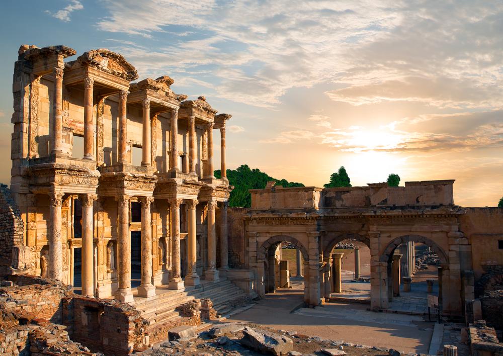 Библиотека Цельса в Эфесе, Измир, Турция.