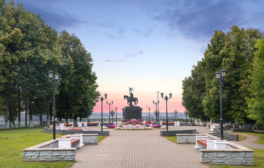 Памятник князю Владимиру исвятителю Федору