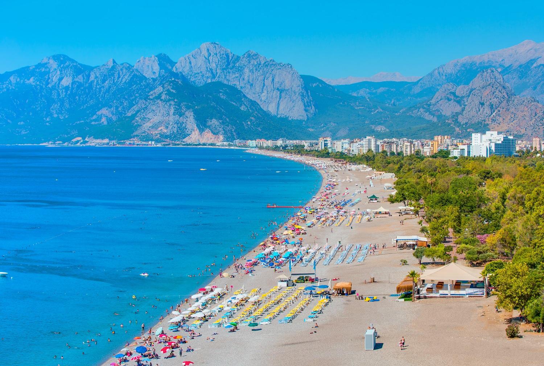 Пляж Коньяалты в Турции — обладатель Голубого флага