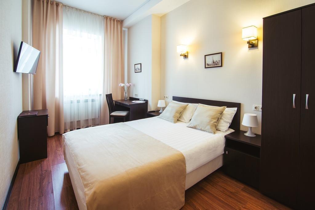 Номер стандарт в трехзвездочном отеле «Максим Горький»