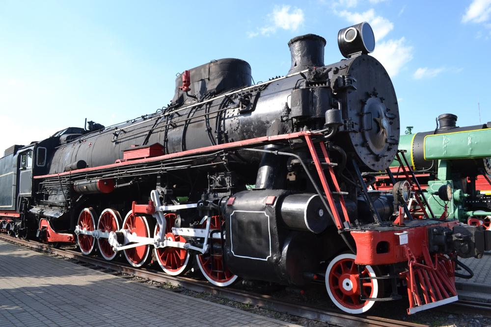 Паровоз в музее железнодорожного транспорта в Бресте