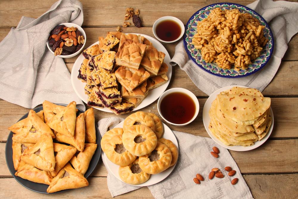 Традиционная татарская выпечка: чак-чак, кыстыбый, перемеч, эчпочмак, сладкий белеш