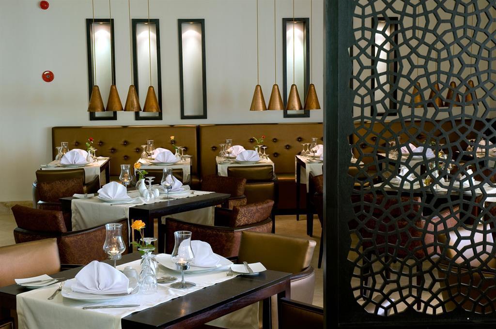 Ресторан в отеле Royal Thalassa Monastir. Сканес, Тунис