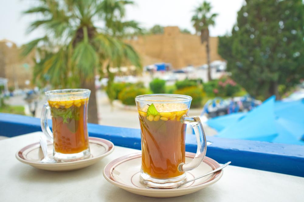 Традиционный тунисский чай. Хаммамет, Тунис.