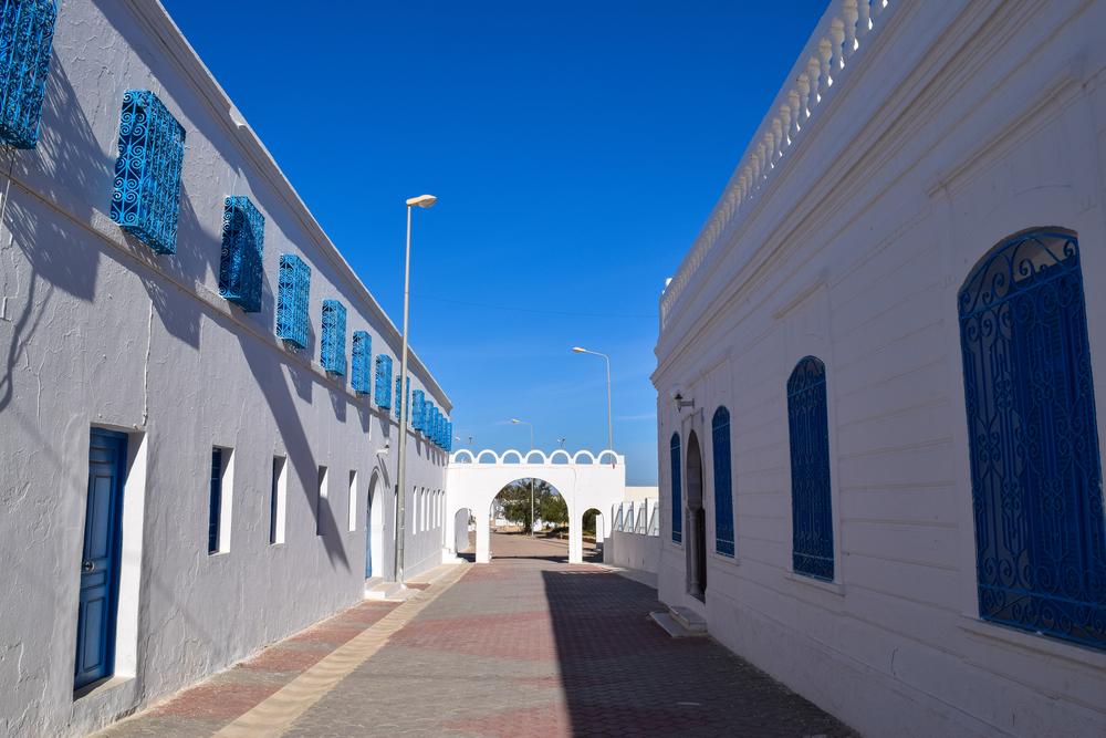 Двор синагоги Эль-Гриба, Джерба, Тунис.