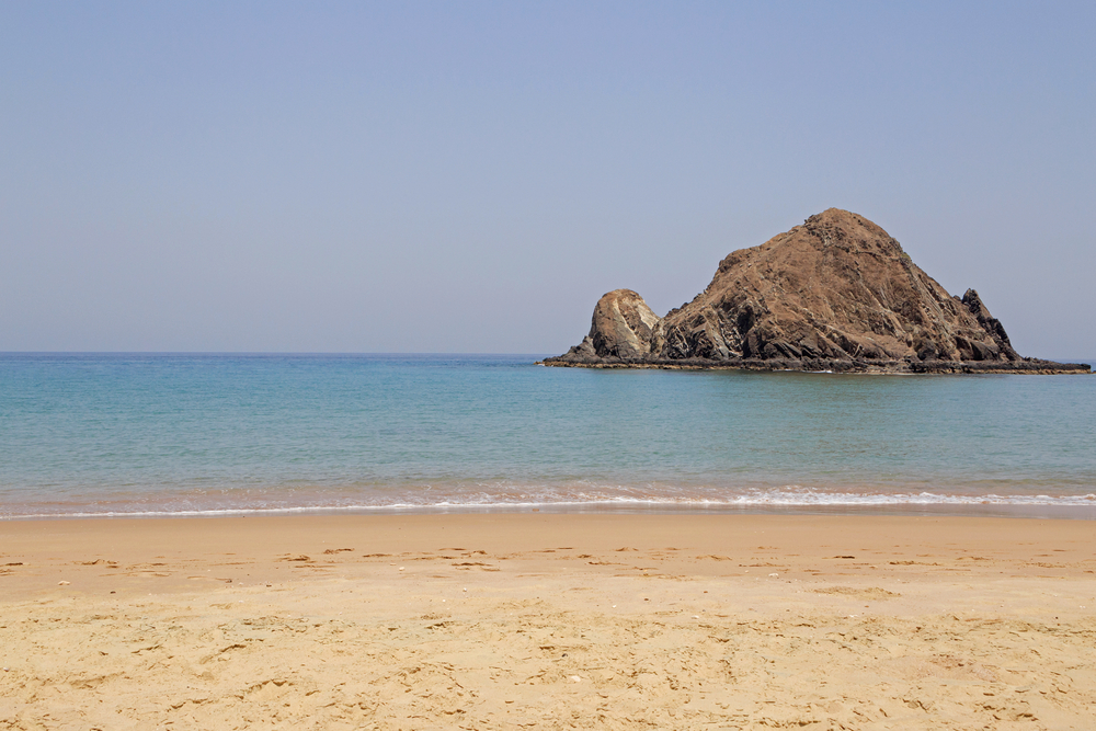 Вид на остров Снупи. Фуджейра, ОАЭ.