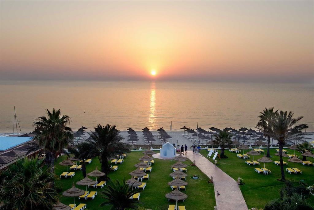 Отель Palmyra Beach. Порт Эль-Кантауи, Тунис