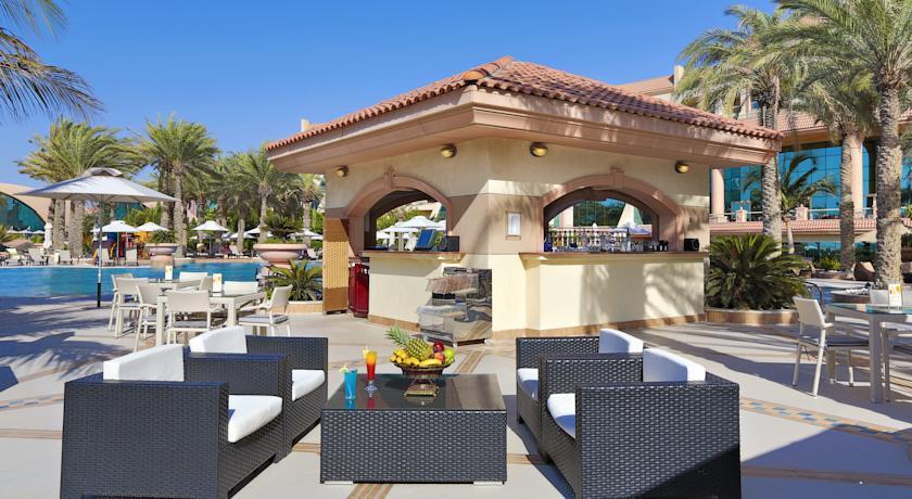 Отель Al Raha Beach Hotel, Абу-Даби, ОАЭ