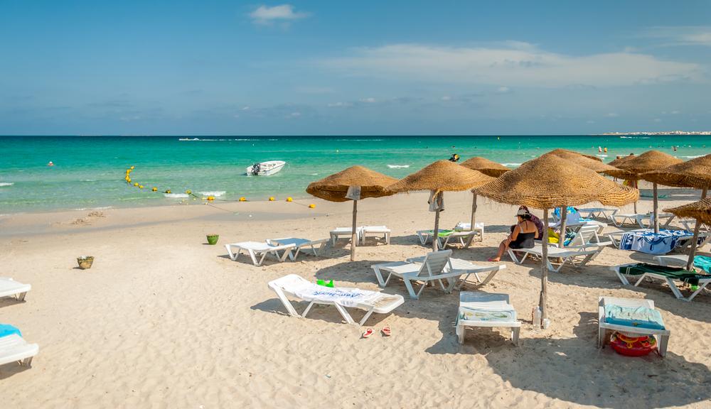 Пляж в Махдие, Тунис.