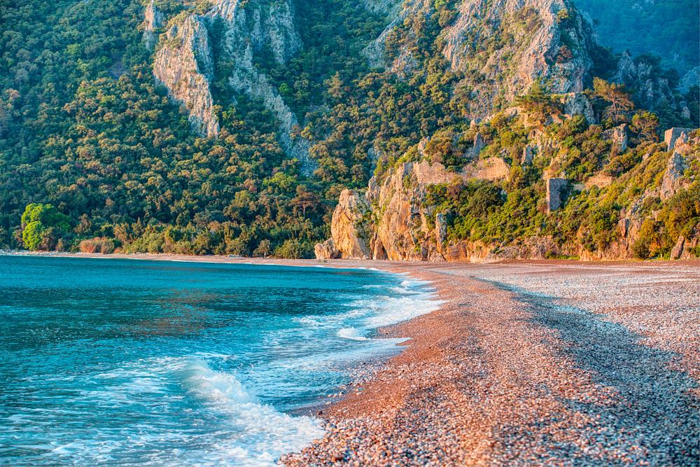 Пляж в Олимпосе, Кемер, Турция.