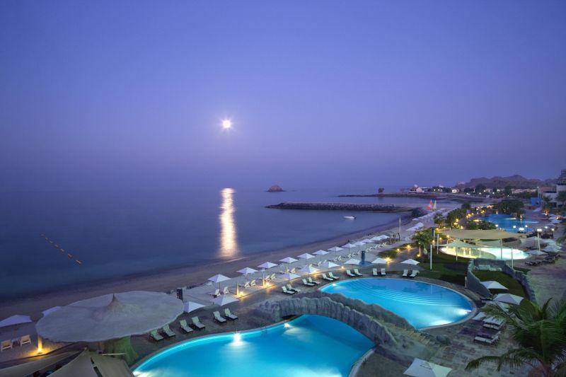 Отель Radisson Blu Resort Fujairah, Фуджейра, ОАЭ.