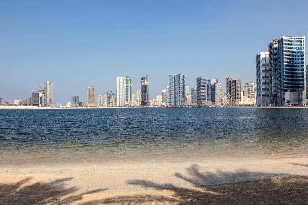 Пляж Аль-Корниш, Шарджа, ОАЭ.