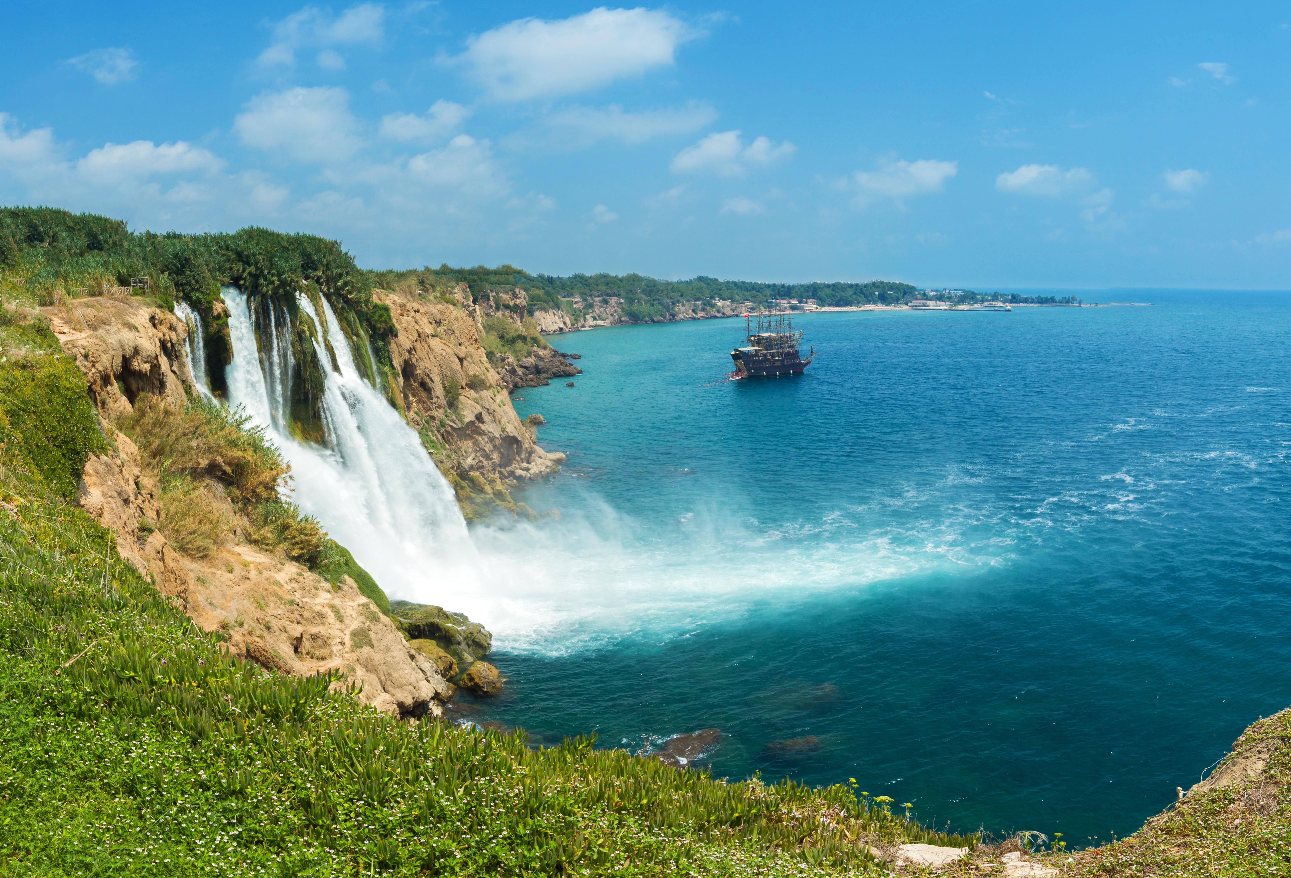 Нижний Дюденский водопад. Анталия, Турция.