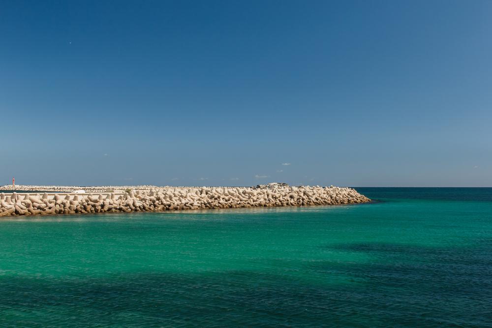Вид с воды на побережье. Махдия, Тунис.