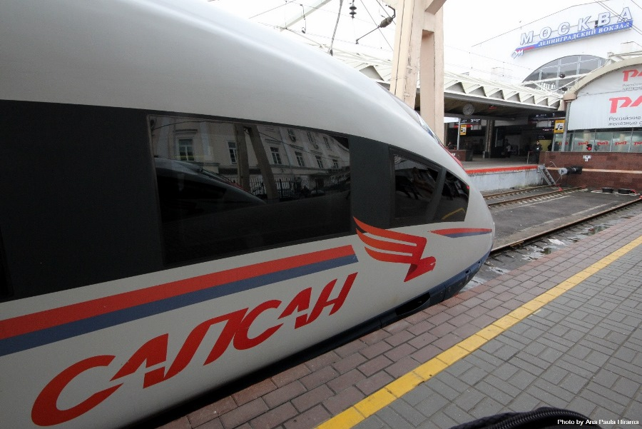 Кабина поезда Сапсан на перроне в Москве. Photo: Ana Paula Hirana.