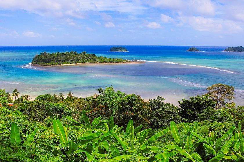 Вид с острова Чанг на остров Ман Най